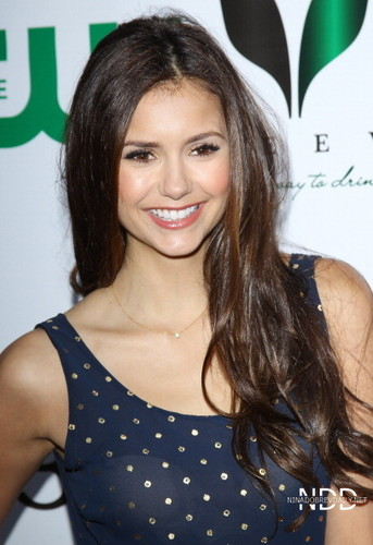 Nina Dobrev attends the ISF The Influence Affair jantar April 21 2012