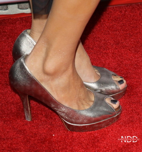 Nina Dobrev attends the ISF The Influence Affair hapunan April 21 2012