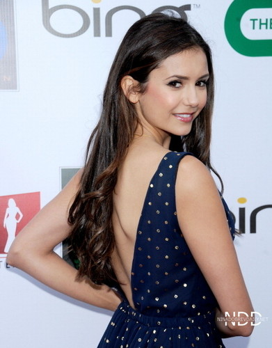 Nina Dobrev attends the ISF The Influence Affair رات کے کھانے, شام کا کھانا April 21 2012
