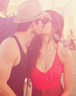 Nina&Ian - ian-somerhalder-and-nina-dobrev fan art