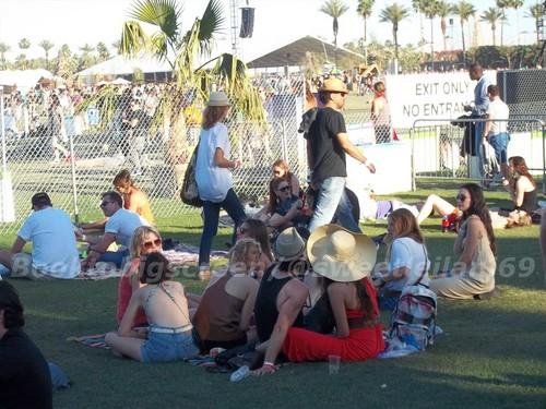 Nina and Ian at Coachella dag Three