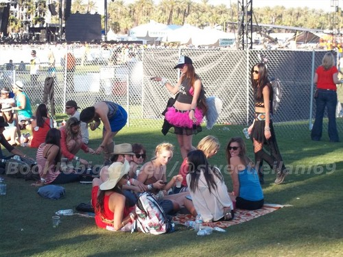 Nina and Ian at Coachella dag Three