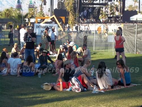 Nina and Ian at Coachella দিন Three