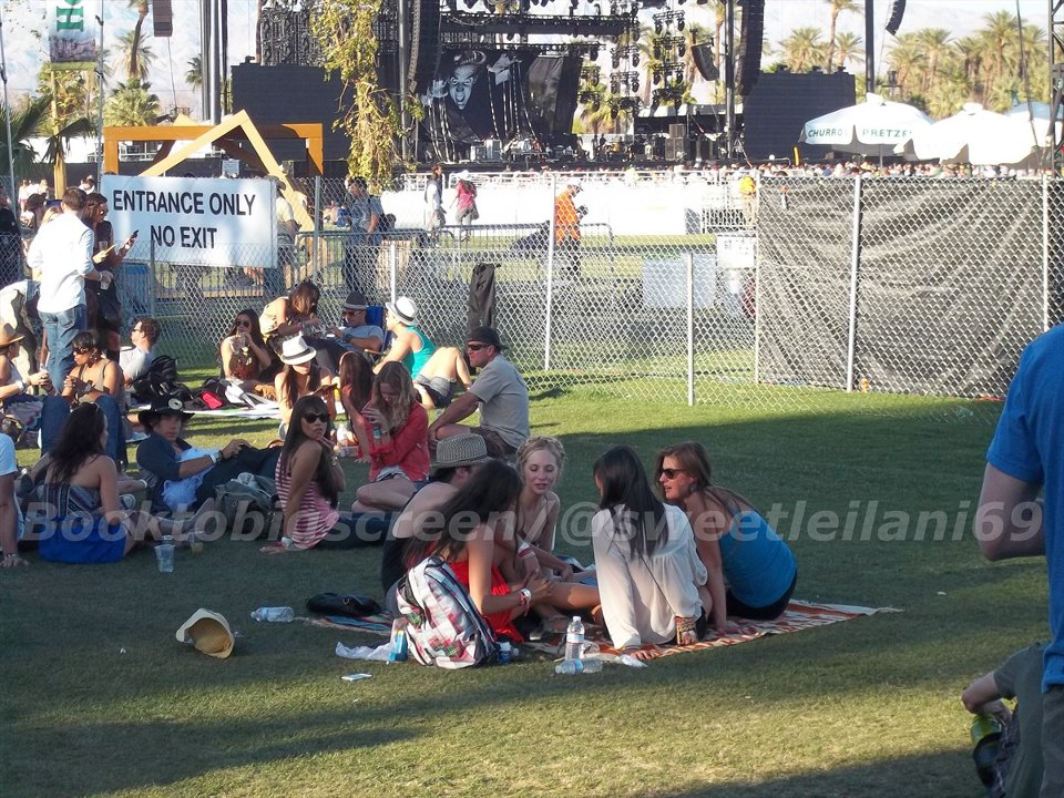 Nina and Ian at Coachella Day Three - ian-somerhalder-and-nina-dobrev photo