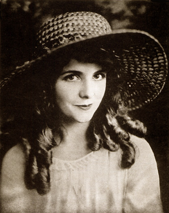 oliva, verde-oliva Thomas(October 20, 1894 – September 10, 1920)