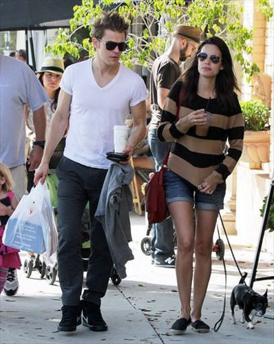 Paul and Torrey at Larchmont Village (October 16th, 2011)