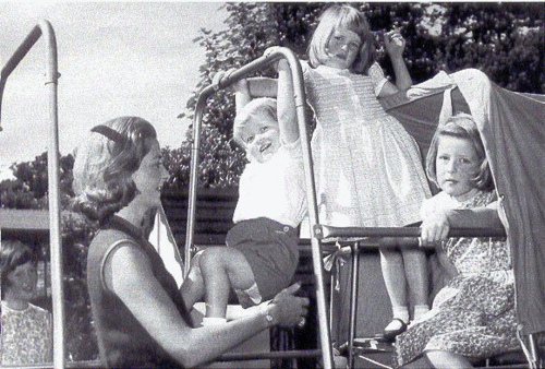 Princess Diana, with Mother,Older Sister, and Younger Brother
