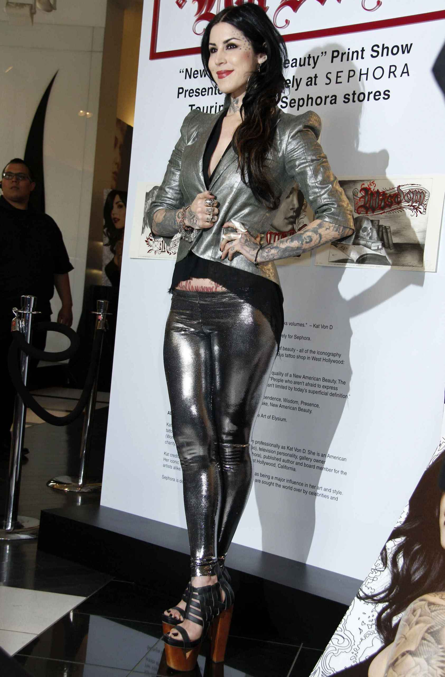 Promotes 'New American Beauty' in Hollywood 2012