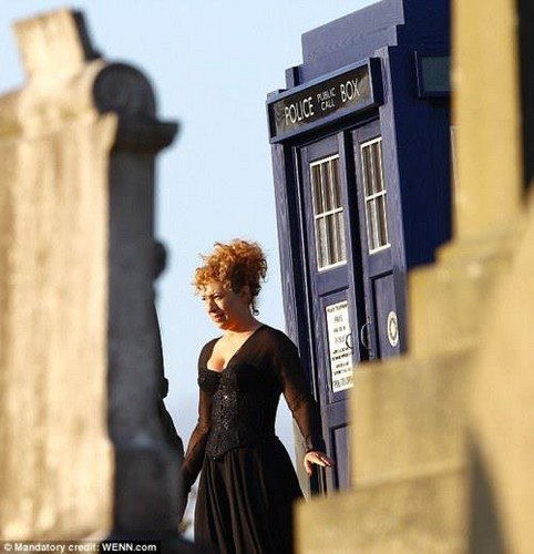 River Song 1st image from Season 7 <3