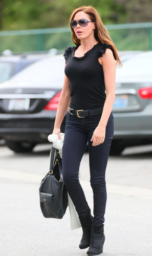 Rose - Runs Errands in Beverly HIlls in LA - February 21, 2012