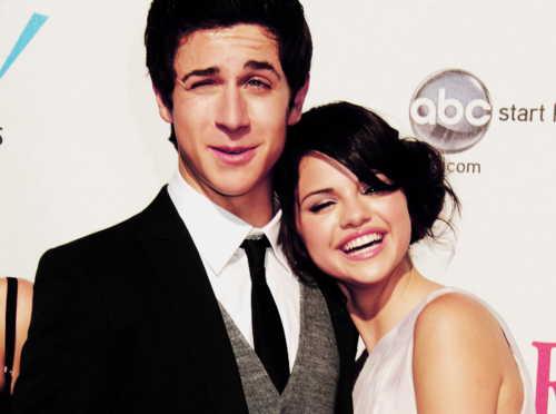 Emily Van Allen's Facebook Sel-and-David-Henrie-selena-gomez-30590253-500-372