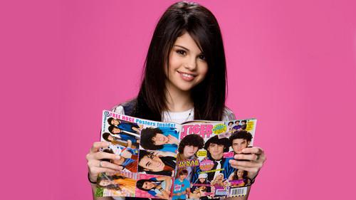 Selenaaa old pic