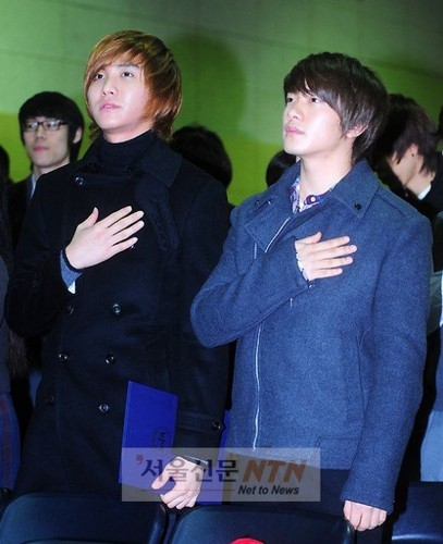 Seung Hyun and Min Hwan Highschool Graduation
