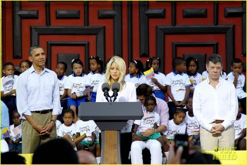 Shakira: Summit of the Americas with Barack Obama! - shakira Photo