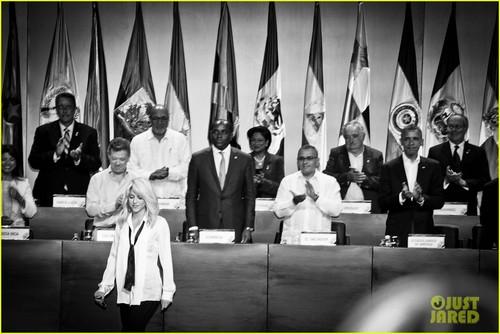 Shakira: Summit of the Americas with Barack Obama! - shakira Photo