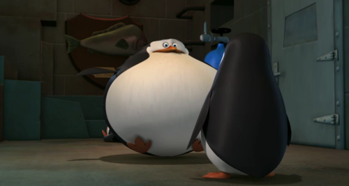 Penguins of Madagascar پیپر وال called Skipper got FAT! O.O