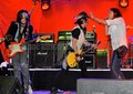 Steven Tyler, Johnny Depp, Joe Perry, Marilyn Manson…rock প্রতীকী জ্যাম like nobody's watching