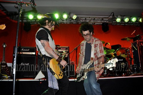 Steven Tyler, Johnny Depp, Joe Perry, Marilyn Manson…rock icons jam like nobody's watching