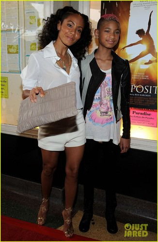 Willow Smith images Willow Smith: 'First Position' Premiere with Mom Jada! HD wallpaper and background photos