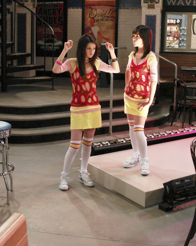 Wizards of Waverly Place - wizards-of-waverly-place Photo