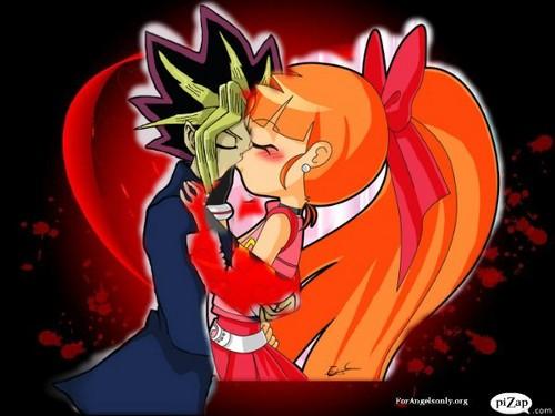 Yugi baciare Momoko