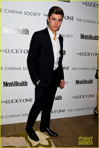 Zac Efron: 'Lucky One' NYC Screening with Taylor Schilling!