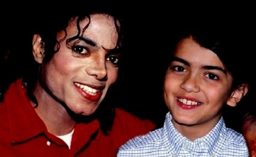Blanket Jackson karatasi la kupamba ukuta with a portrait titled blanket and michael