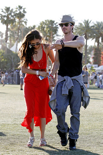 coachella new (holding hands)