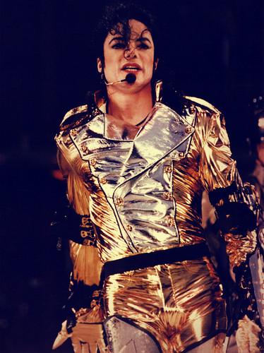 god u are soooooo beautiful Michael honey beer