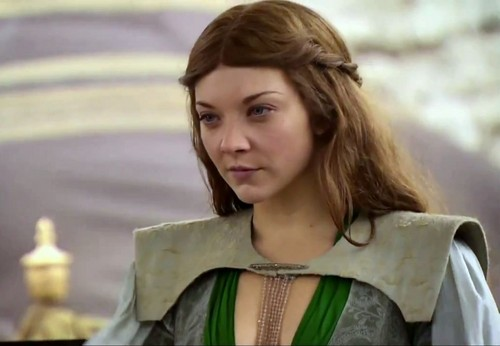 Margaery Tyrell wallpaper possibly containing a surcoat and a tabard titled Margaery Tyrell
