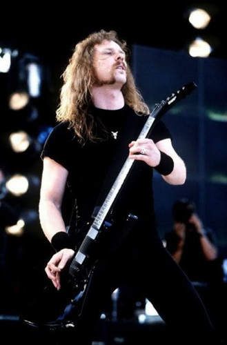 James Hetfield wallpaper containing a concert and a guitarist entitled james