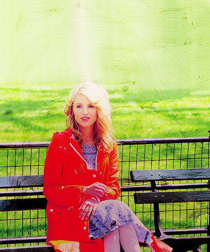 Dianna Agron wallpaper containing a park bench entitled <3