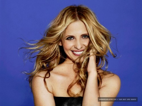 J White 2011 - sarah-michelle-gellar Photo