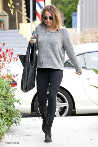 24/04 At Winsor Pilates In West Hollywood