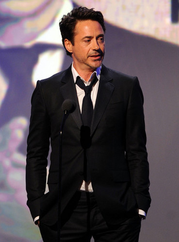 25th American Cinematheque Award Honoring Robert Downey, Jr. - tunjuk