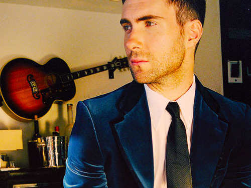 Adam Levine kertas dinding with a business suit and a suit titled Adam