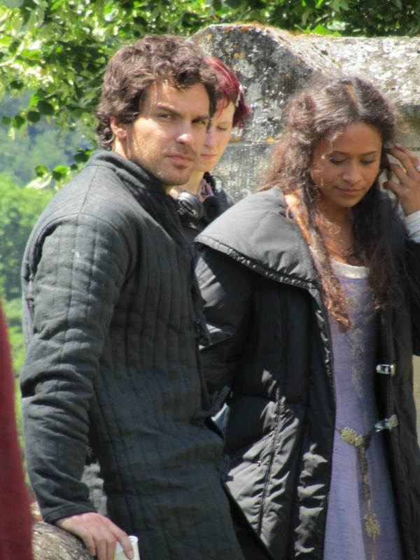Энджел Coulby and Santiago Cabrera - BTS