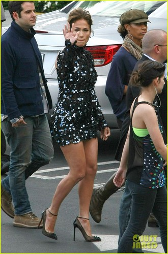 Arriving At American Idol Elimination mostrar In Hollywood [26 April 2012]