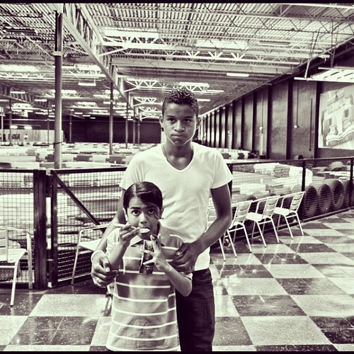 Blanket Jackson and his cousin Jaafar Jackson - prince-michael-jackson Photo