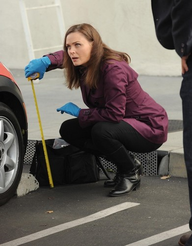 Bones episode 12 set pic