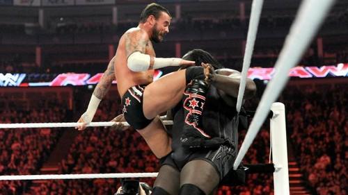 CM Punk In London (vs Mark Henry)