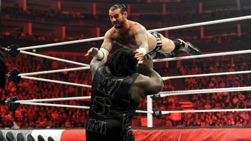 CM Punk vs Mark Henry in London