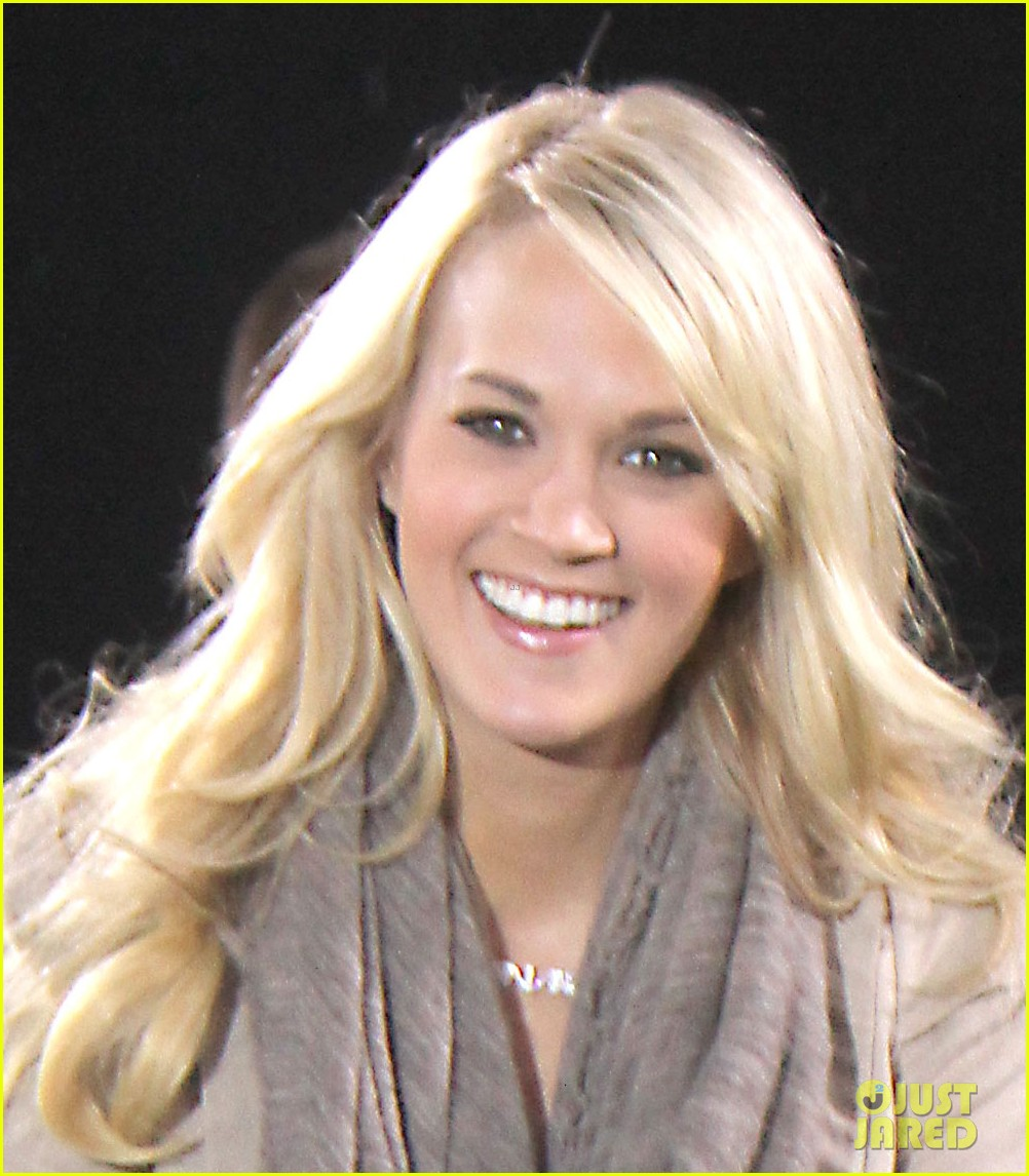 who carrie underwood dating In 2017, carrie underwood fell at her home, leading to the singer getting stitches in her face see underwood's face scar for the first time since her fall.