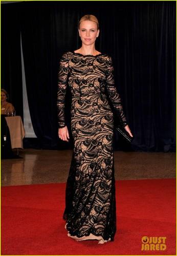 Charlize Theron - White House Correspondents' avondeten, diner 2012