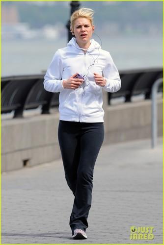 Claire Danes: West Side Greenway Jog!