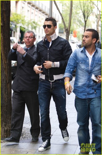 Cristiano Ronaldo Enjoys a Madrid Meal