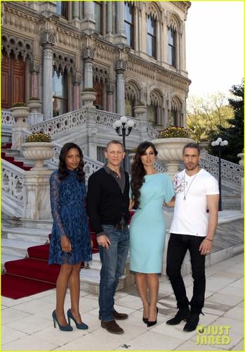 Daniel Craig: 'Skyfall' Turkey Foto Call!
