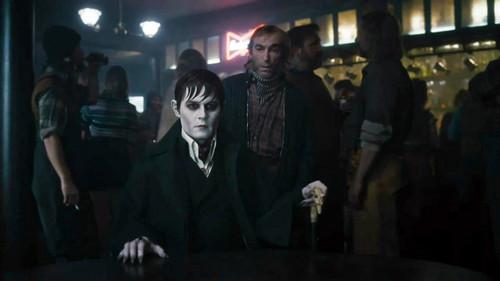 Dark Shadows - Featurette (Vampire History)