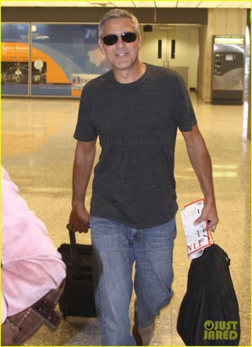 George Clooney: Dulles Airport Dude