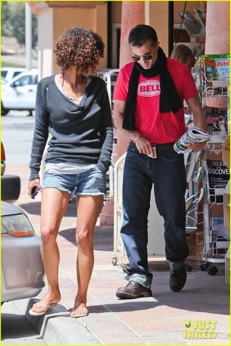 Halle Berry & Olivier Martinez: Malibu Mates